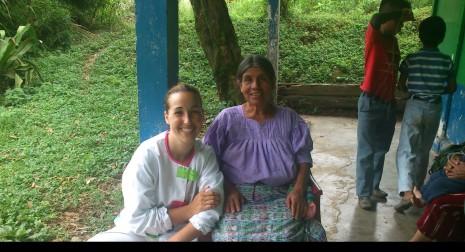 Voluntaria y alumna española de nuestra escuela de MTC, se integra en la comunidad
