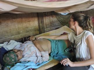 Guatemala: acupuntora descalza