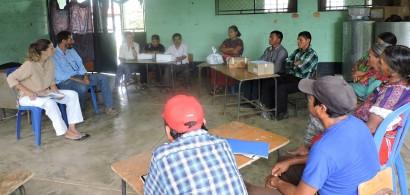 FOTO: ACUPUNTORAS DESCALZASFormandopromotorxs locales en Acupuntura