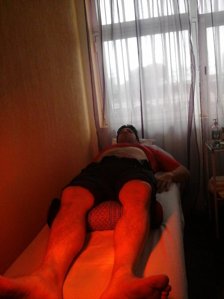 Alumn@ recibiendo tratamiento de su compañero de prácticas