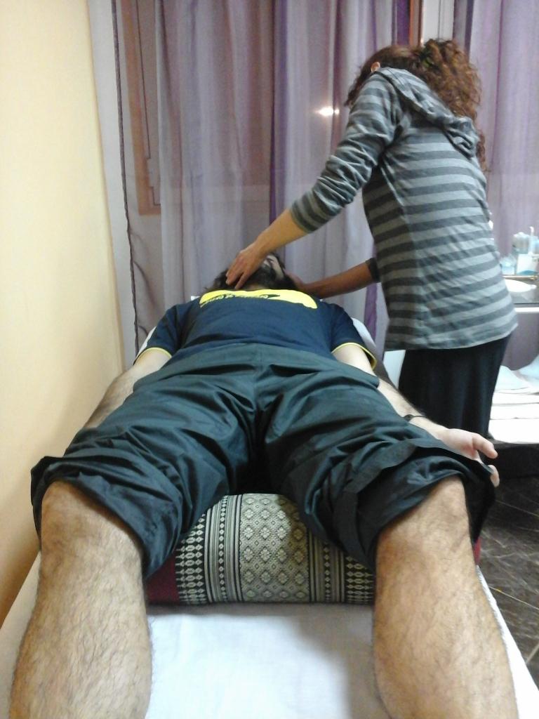 Si el paciente se marea: mantener la calma, retirar agujas, reanimación con 26 DM Renzhong