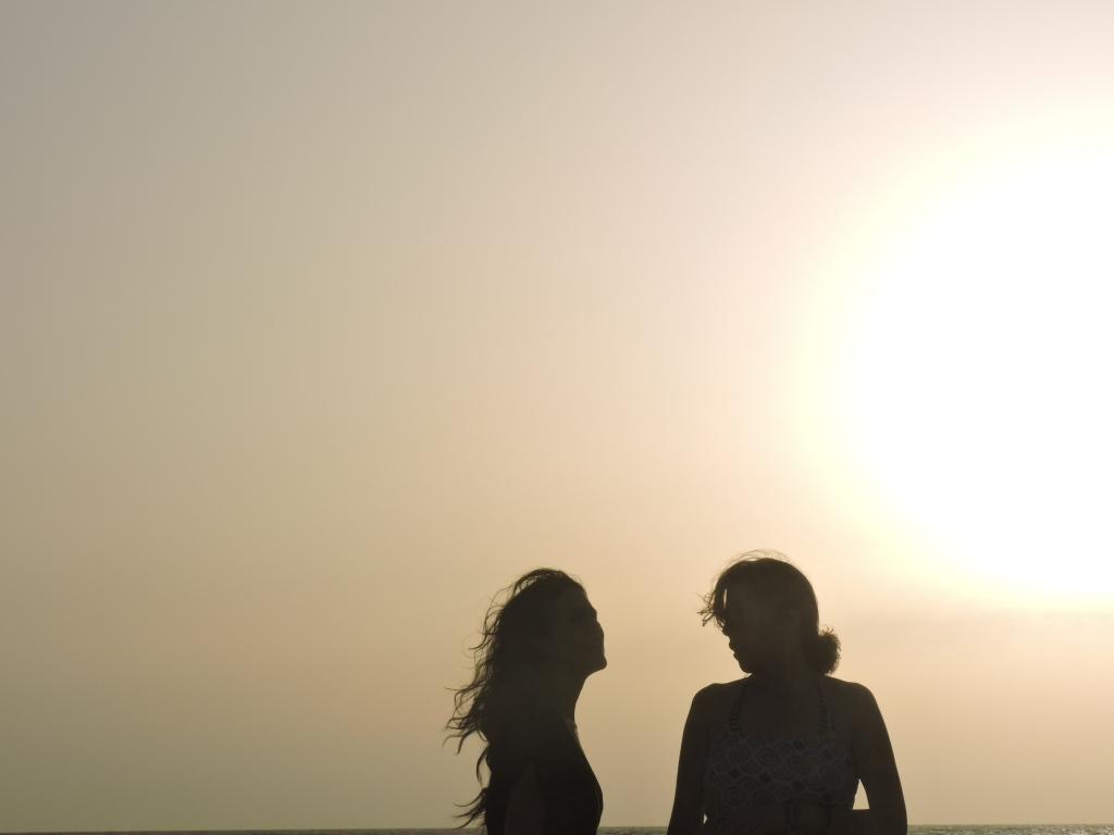 Foto:LingTaoAcupuntoresDescalzos en Senegal, con: María Abrngózar y Sayuri Takahashi
