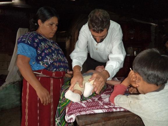 Francisco A.Oviedo y familia Ixil, Guatemala