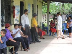 Sala de espera para recibir nuestros tratamientos de Acupuntura/ Comunidad El Triunfo, Champerico, Guatemala