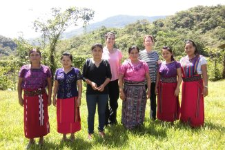 acupuntoras descalzas y promotoras locales entrenadas en Acupuntura 2017