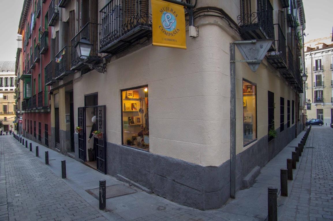 3 Agosto, CONVERSATORIO en Mujeres y Compañía la libreria.-Madrid